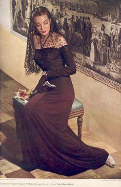 Vogue 1940 - Hattie Carnegie