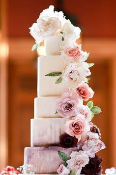 With no shortage of trends to look forward to, it is time that we take a closer look at the wedding cake trends that are going to be defining There are so many options for creating awesome wedding cakes, we barely have time to list them all. Fall Wedding Cakes, Fall Wedding Decorations, Beautiful Wedding Cakes, Beautiful Cakes, Amazing Cakes, Fall Cakes, Delicious Cake Recipes, Cake Trends, Rustic Cake