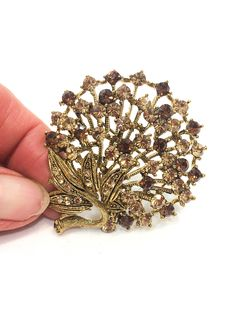 TTjewelry Gold-Tone Vinage Rose Flower Pendant Brooch Pin Brown Crystal