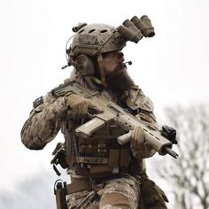 Military Police, Military Art, Army, Desert Coyote, Tactical Operator, Tactical Wear, Military Special Forces, Airsoft Gear, Action Poses