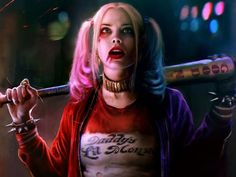 "Harley Quinn as she appeared in DC Comics' Eisner-winning one-shot ""Mad Love"" and in the person of Margot Robbie in the film ""Suicide Squad"" Arlequina Margot Robbie, Margot Robbie Harley Quinn, Jared Leto, Harley Quinn Et Le Joker, Harley Queen, Dc Comics, Hearly Quinn, Jay Hernandez, Der Joker"