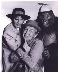 GHOST BUSTERS (CBS-TV) - Forrest Tucker & Larry Storch with their Beanie-wearing sidekick - Saturday morning children's TV series.