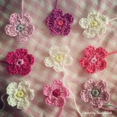 Crocheted flowers by BautaWitch Easter Crochet, Little Things, Crochet Flowers, Pretty Little, Baby Gifts, Elsa, Diy Crafts, Knitting, Sewing