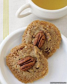 Buttery Pecan Rounds Recipe