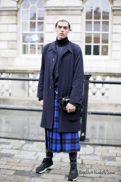 #adamkeller #london #tartan #kilt #sneakers #mix #mensfashion #man #fashion #style #look #outfit #streetfashion #streetstyle #street #chic #mode #lfw #fashionweek #mbfw #homme #moda by #sophiemhabille