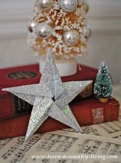 Glitter Star DIY Ornaments and Tutorial | Create your own handmade Christmas ornaments for your tree or home decor.  A fabulous idea which would make great gifts for those who like handmade crafts.  This is stop 17 on the 31 Days of Handmade Christmas Ornaments Blog Hop.  Be sure to stop at each site for more inspiration.