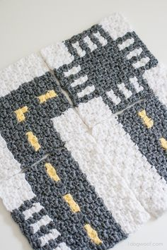 CityStreets Mapghan Squares Collection, #crochet, free pattern, rug, play road, cars, www.1dogwoof.com, #haken, gratis patroon (Engels), wegen kleed, auto, snelweg, lego, #haakpatroon, kinderkamer, jongen