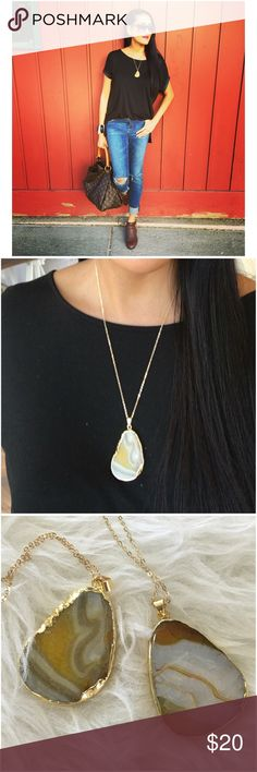 "Yellow & White Quartz Teardrop Pendant W/ Chain Quartz tear drop pendant! Lobster claw lock. Price is per piece.   Approx measurements: Pendant: 2"" L x 1.5"" W Chain: 19"" + 3"" extender   Ask ALL questions before buying, sales are final. I try to describe the items I sell as accurately as I can but if I missed something, please LMK FIRST so we can resolve it before you leave < 5rating.   TRADES/OFFLINE TRANSACTIONS  LOWBALLING (Please consider the 20% PM fee) ✅Use OFFER BUTTON please   &  Free…"