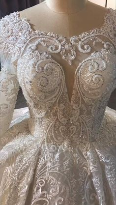 Lace Dresses, White Wedding Dresses, Couture Dresses, Bling Wedding, Ball Gowns Prom, Skirt Outfits, Bridal Gowns, Digital Prints, Evening Dresses