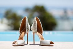 Cavalli Wedding Pictures Wedding Shoot, Wedding Couples, Sports Head, Happy Married Life, Groom Getting Ready, Colored Smoke, Bride Shoes, Event Photos, Wedding Pictures