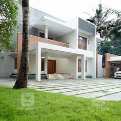 #RenovatedHouse #RenovationIdeas #Lanscaping #InteriorDesign ഏകദേശം എട്ടുമാസം കൊണ്ട് വീട് പുതുമണവാട്ടിയെപ്പോലെ ഒരുങ്ങി.... Flat Roof House Designs, Modern House Design, Contemporary Architecture, Contemporary Home Exteriors, Kerala House Design, Kerala Houses, Luxury Homes, House Plans, New Homes