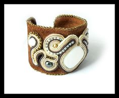 Soutache bracelet natural leather nacre pearl by Mayasbijou €34.01 EUR on Etsy.com