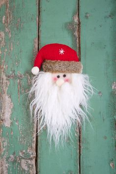 Check out these cute DIY Christmas craft ideas that are sure to spread cheer this holiday season.