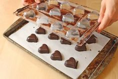 Homemade Milk Chocolate, Chocolate Work, Chocolate Candy Recipes, Chocolate Candy Melts, Frozen Chocolate, Melting Chocolate Chips, Chocolate Candies, Chocolate Making, Chocolate Truffles