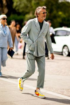 Pitti Uomo: Street style that floored us from the spring/summer 2020 runway season Style Hipster, Style Casual, Swag Style, Men Casual, Fashion Moda, Milan Fashion, Mens Fashion, Street Fashion, 2000s Fashion