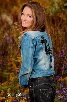 http://www.cowgirlglitterati.com! Photography by Laura McClure! Cowgirls, Horses and Fashion! pinned with Pinvolve