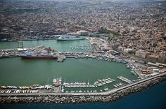 Stay in Catania, nightlife for Ian, easy transport hub to get to other places