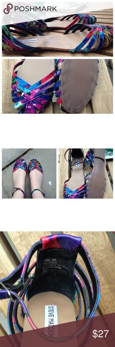 Like New Steve Madden Colorful Sandals Super cute Steve Madden sandals in like new condition. Worn once! Colorful and comfortable. ✅Reasonable offers considered Trades Steve Madden Shoes Sandals