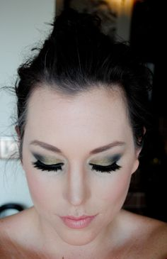 doubleup2 <3 the tutorials Erin provides . And wow what and awesome eye color ! <3 !