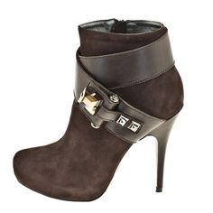 Ankle boots with  crossed straps, Roberto Bottela - A/H 2012 2013
