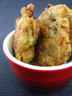 Indian Eggplant Fritters A lone eggplant wandered its way into my kitchen, and knowing I h ave a busy week ahead of me, I decided to use it. Vegetable Recipes, Vegetarian Recipes, Cooking Recipes, Healthy Recipes, Indian Food Vegetarian, Veggie Food, Rice Recipes, Cooking Tips, Indian Snacks