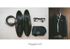#weddingday #weddingtimes #weddingphotographer #wedding #weddinginlove #catania #cute #emozioni #emotions #fotografia #happiness #instaphoto #igerscatania #love #matrimonio #amore #picoftheday #photooftheday #sicily #groom #photo #sposi #life #fotografidimatrimoni #instagood #details #lui #sposo #moment #occhiali #scarpe #cintura #cravatta #giacca #vestito #shoes #belt #glasses #necktie #jacket #dress #groom #legno #wood