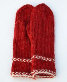 Ravelry: Annsofie's red mittens pattern by Annsofie Pettersson Red Mittens, Knit Mittens, Knitted Hats, Knit Beanie Pattern, Mittens Pattern, Winter Knitting Patterns, Crochet Patterns, Loom Knitting, Free Knitting
