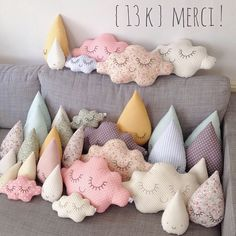 Cloud and rain diy pillows Cute Pillows, Diy Pillows, Throw Pillows, Pillow Ideas, Pillow Inspiration, Sewing Crafts, Sewing Projects, Projects To Try, Diy And Crafts