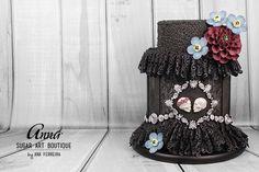 Dark Wedding - Halloween Gothic Cake Tutorial / See Tutorial here: https://youtu.be/se5FIaQiMW8