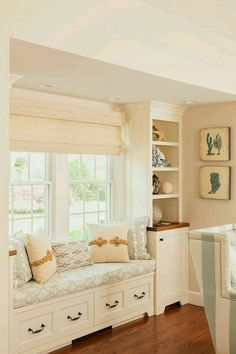 window seat and built-in shelves via House of Turquoise: Casabella Home Furnishings and Interiors Interior Design Studio, Luxury Interior Design, Home Interior, Window Seat Kitchen, Window Benches, Window Seats, Window Curtains, Burlap Curtains, Room Window