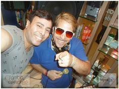 REVISTA SAMBA CONEXÃO NEWS - Curta nossa página:https://www.facebook.com/conexaosambar/… SITE: http://revistasambaconexao.clikrcs.com.br/  Do meu lado nada mais, nada menos que, DJ-Portugues Fernando, o Dj das ESTRELAS. Show! — com DJ-Portugues Fernando em  Boulevard Shopping Iguatemi.