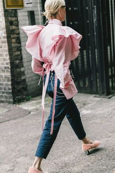We love the subtle pink colour and puffy sleeves of this blouse.
