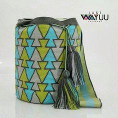220 отметок «Нравится», 1 комментариев — Just Wayuu (@just.wayuu) в Instagram: «This large single thread bag displays a fish pattern. Handcrafted handbags made by indigenous wayuu…»