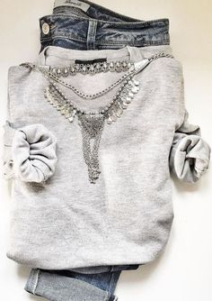 Silver Bib Statement Necklace #outfit #fashion #style #silvernecklace #statementnecklace #necklace - 17,90  @happinessboutique.com