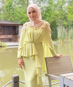 "Samm Republic on Instagram: ""Manis betul ye @farahanimrazak ❤️❤️ , she wearing our lime green cape dress to attend 'MIRA FILZAH ' wedding ❤️❤️ ... tq sis 😘…"""