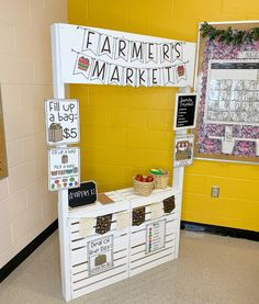 This is my classroom tour of the Kindergarten Farmhouse Classroom Makeover showing you how I incorporated flexible seating with this transformation. Classroom Jobs, Kindergarten Classroom, Classroom Decor, Future Classroom, Farm Theme Classroom, Dramatic Play Area, Dramatic Play Centers, Play Centre, Center Stage