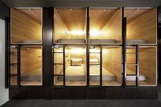 Een hokje boeken in een budgetproof designhotel   | roomed.nl