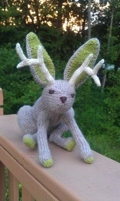 Check out this little Jackalope made by KenInMaine on Men Who Knit.