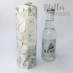 Plotterdatei Flaschenbox (2dl) von PlotterDesings Brother Scan And Cut, Maker, Vodka Bottle, Drinks, 3d, Schnapps, Binder, Flasks, Packaging