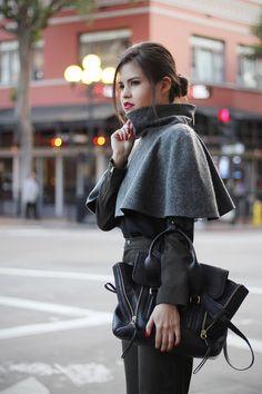 romantic/sporty style | cape, blouse + high-waisted + heels | Mexicali fashion designer Alma Jiménez.