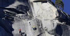 L'exploit vertigineux de deux grimpeurs au sommet d'El Capitan dans le parc de Yosemite