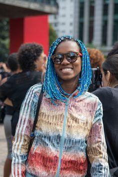 #BlueBoxBraids #MarchadoOrgulhoCrespo Foto: Carolina Cury Natural, Blog, Fashion, Walking Gear, Kinky Hair, Pride, Women, Moda, Fashion Styles