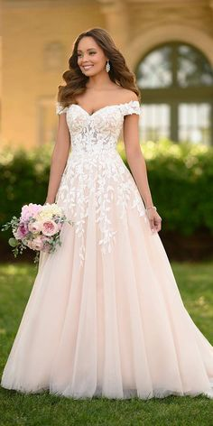 30 + A-Line Wedding Dresses a line wedding dresses sweetheart strapless neckline off the shoulder floral stella york dresses 2020 stella york A Line Wedding Dress Sweetheart, Wedding Dress Organza, Stella York Dresses, Best Wedding Dresses, Vintage Dresses, Marie, Floral, Pay Attention, Dress Black