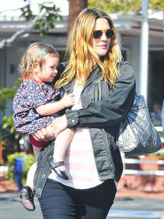 Star Tracks: Monday, January 27, 2014 - Drew Barrymore with daughter Olive, 16 months, on Saturday in Hollywood.