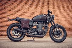 Jose and Tito of Macco Motors are well renowned for their Triumph builds, so much so that they attract the attentions of those from far and wide....