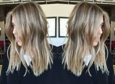 8 Blonde Balayage Hairstyles Every Girl Needs To Try dirty blonde balayage hair color ash blonde golden blonde icy highlights beach blunt lob haircut Blonde Caramel Highlights, Balayage Hair Caramel, Ash Blonde Balayage, Hair Color Balayage, Hair Highlights, Blonde Ombre, Beach Highlights, Short Balayage, Blonde Color
