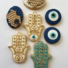 Lorena Rodriguez. Hamsa cookies #lorenarodriguez #hamsacookies