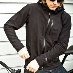 Our everyday rain jacket–The Orion is versatile, packable, and waterproof. The relaxed cycling fit combined with durable stretch fabrics enables maximum movement both on and off the bike. The Orion is