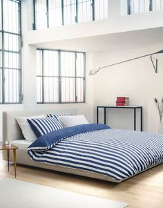 Marc O'Polo, Lenjerie de pat cu model in dungi Vall, Gri/Alb - eMAG. Marc O Polo, Elegant, Home Collections, Blue Stripes, Bed Sheets, Mattress, Duvet Covers, Sweet Home, Home And Garden