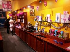 New blog post  -3/21/14 - Whips, chains, sex toys – Oh My! Babeland NYC! http://blog.theregularguynyc.com/whips-chains-sex-toys-oh-babeland-nyc/